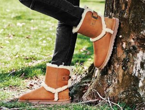 $89.25UGG Airehart Boots On Sale @ The Walking Company