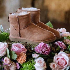 Up to 55% Offon Select UGG Boots @ The Walking Company