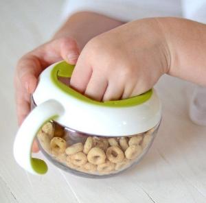 $3.99 (原价$7.99)OXO Tot Flippy Snack Cup 婴幼儿零食杯