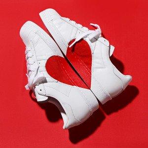$160 我的心有了你才完整Adidas Superstar 80s Half Heart 情人节限定款小白鞋