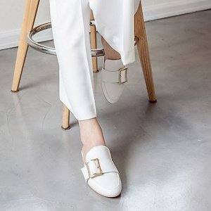 Up to 50% Off + Extra 15% OffKaren White Shoes Sale @ W Concept
