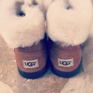 低至5折UGG Australia官网 雪地靴,休闲鞋,居家服等促销