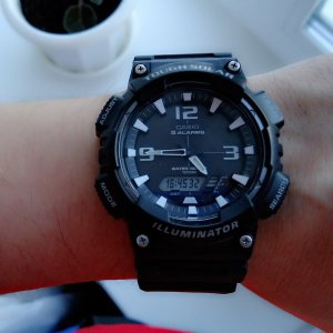 $20 (原价$54.95)Casio 男士太阳能运动腕表