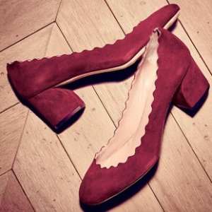 Lauren Scalloped Suede Block Heel Pumps的圖片搜尋結果